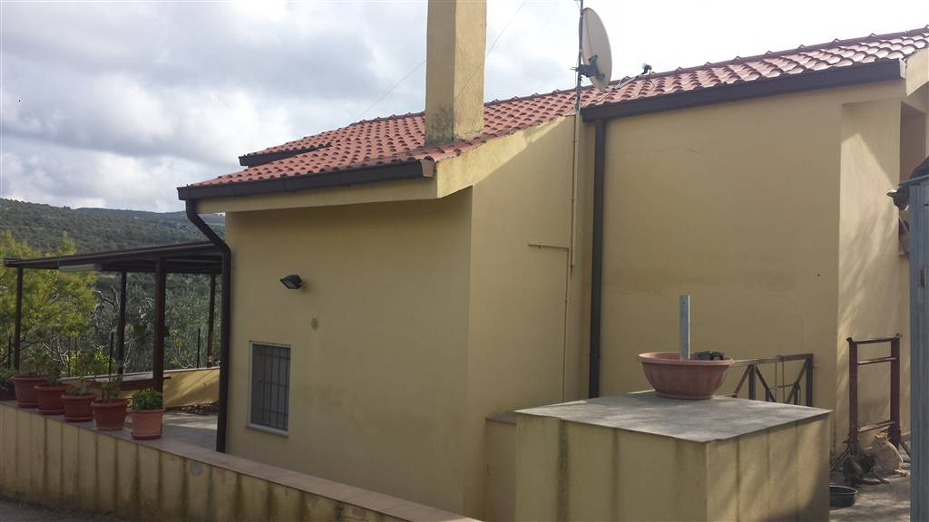 Soluzione Indipendente in vendita a Matera, 2 locali, zona Zona: Periferia Sud, prezzo € 65.000 | CambioCasa.it