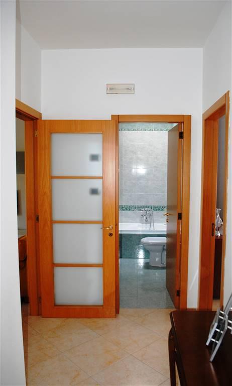 Appartamento in affitto a Matera, 4 locali, zona Zona: Periferia Nord, prezzo € 600 | Cambio Casa.it