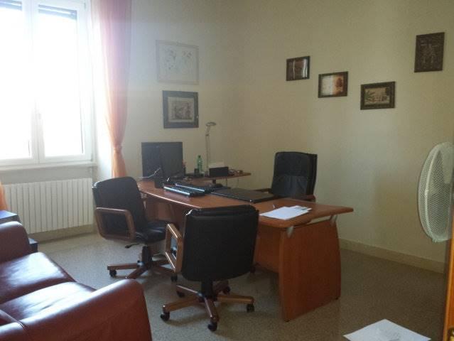Ufficio / Studio in affitto a Matera, 3 locali, zona Zona: Centro direzionale, prezzo € 500 | CambioCasa.it