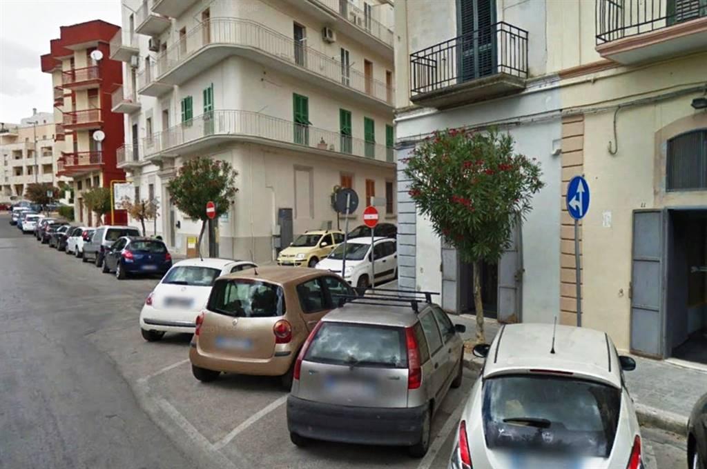 Attività commerciale Bilocale in Affitto a Matera