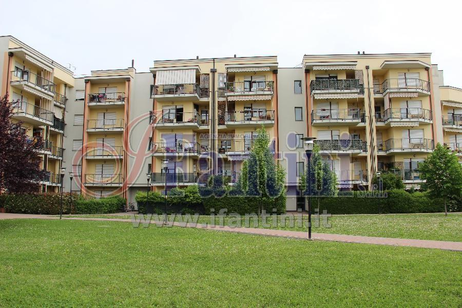 Appartamento in vendita a Calderara di Reno, 2 locali, prezzo € 120.000 | Cambio Casa.it