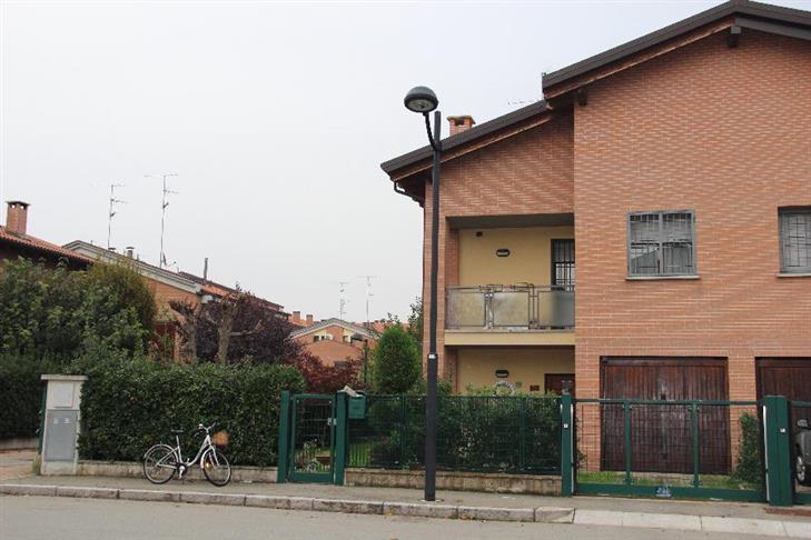 Casa indipendente in Vendita a Calderara Di Reno: 5 locali, 210 mq