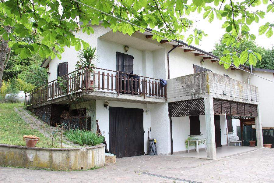 Villa in Vendita a Monte San Pietro: 4 locali, 170 mq