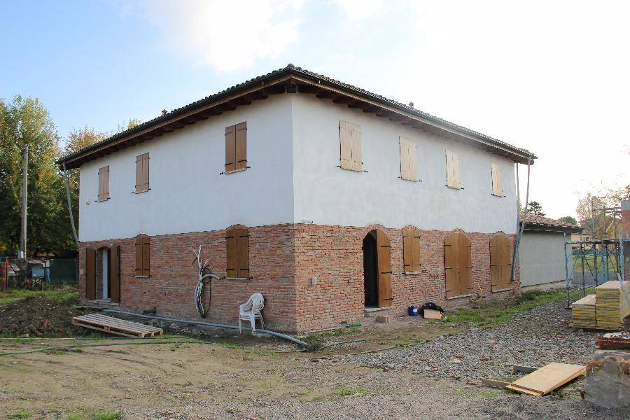 Casa indipendente in Vendita a Calderara Di Reno: 4 locali, 170 mq
