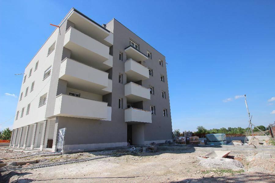Appartamento in vendita a San Giovanni in Persiceto, 4 locali, prezzo € 224.000 | Cambio Casa.it