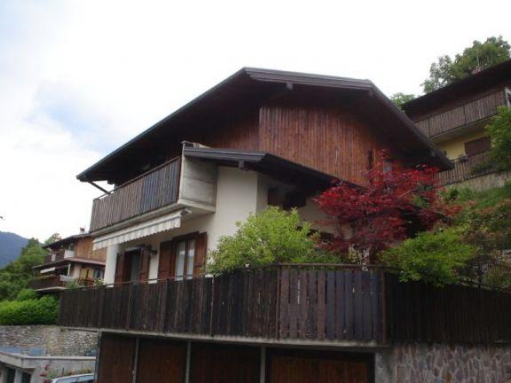 Villa in vendita a Serina, 4 locali, prezzo € 268.000 | Cambio Casa.it