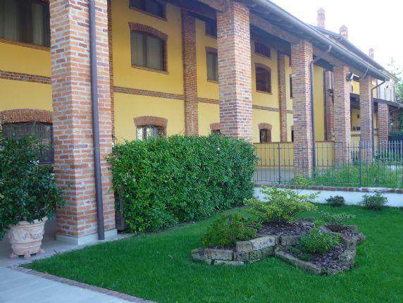 Rustico / Casale in vendita a Mortara, 5 locali, Trattative riservate   Cambio Casa.it