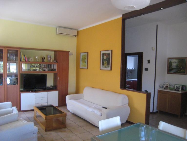 Soluzione Indipendente in vendita a Mortara, 3 locali, prezzo € 118.000 | Cambio Casa.it
