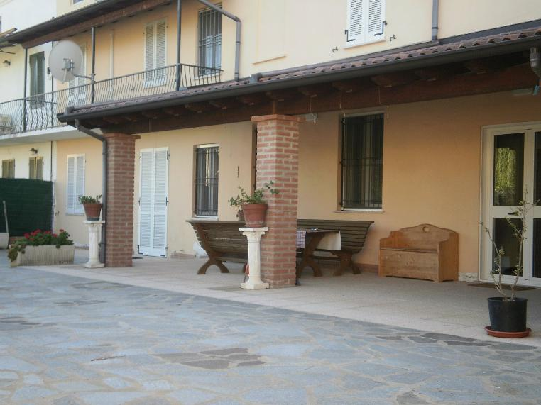Farmhouse in MORTARA 300 Sq. mt. | 10 Rooms - Garage | Garden 550 Sq. mt.