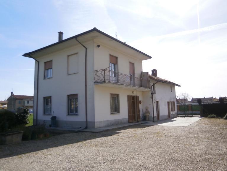 Soluzione Indipendente in vendita a Mortara, 6 locali, prezzo € 130.000 | Cambio Casa.it