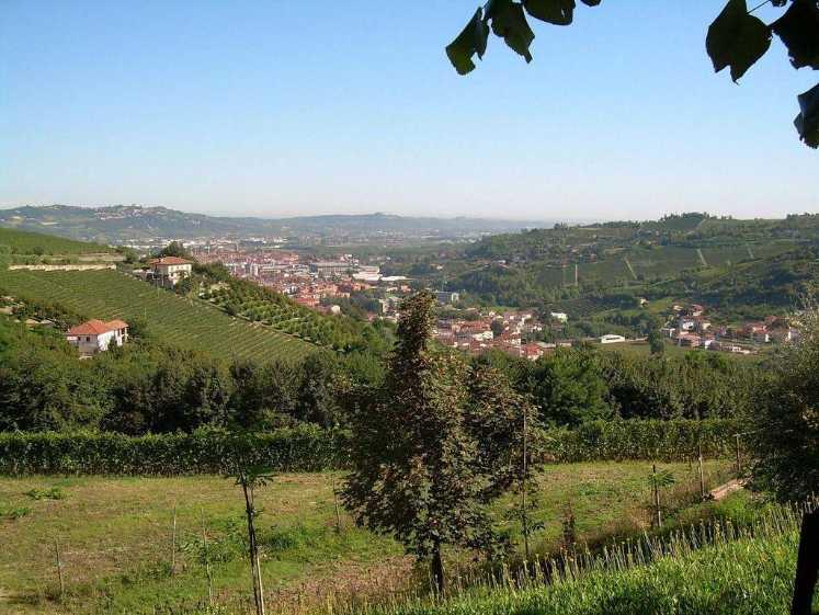 Villa in vendita a Alba, 10 locali, Trattative riservate | Cambio Casa.it