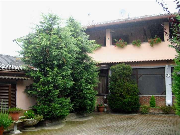 Villa in vendita a Robbio, 3 locali, prezzo € 150.000 | Cambiocasa.it