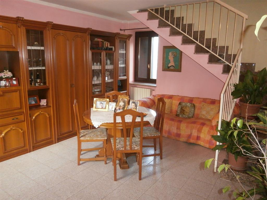 Soluzione Semindipendente in vendita a Gravellona Lomellina, 4 locali, prezzo € 140.000 | Cambio Casa.it