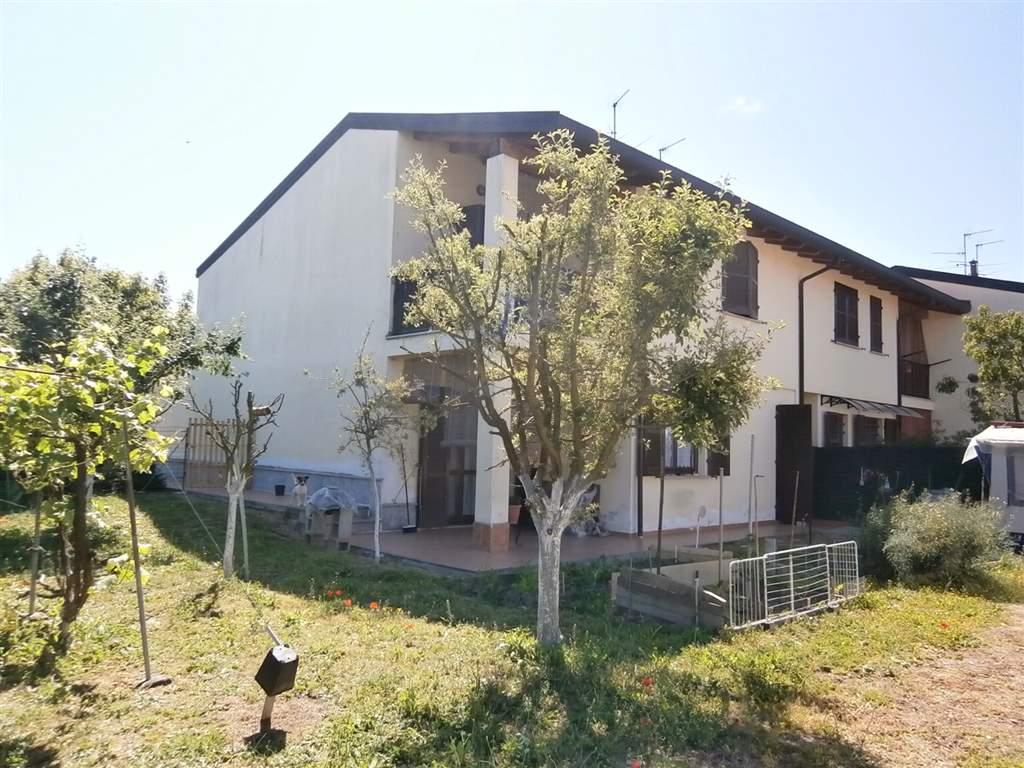 Villa in vendita a Mede, 5 locali, prezzo € 155.000 | CambioCasa.it