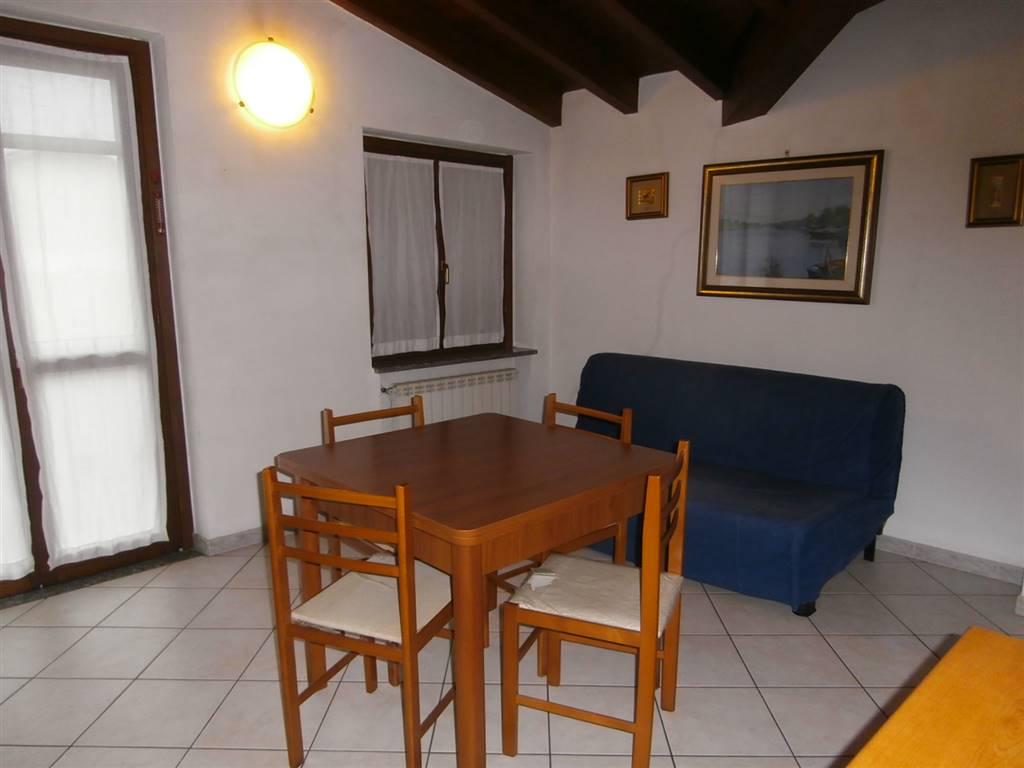 Attico / Mansarda in affitto a Parona, 2 locali, prezzo € 400 | Cambio Casa.it