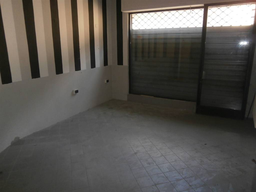 Negozio / Locale in affitto a Mortara, 2 locali, prezzo € 250 | CambioCasa.it