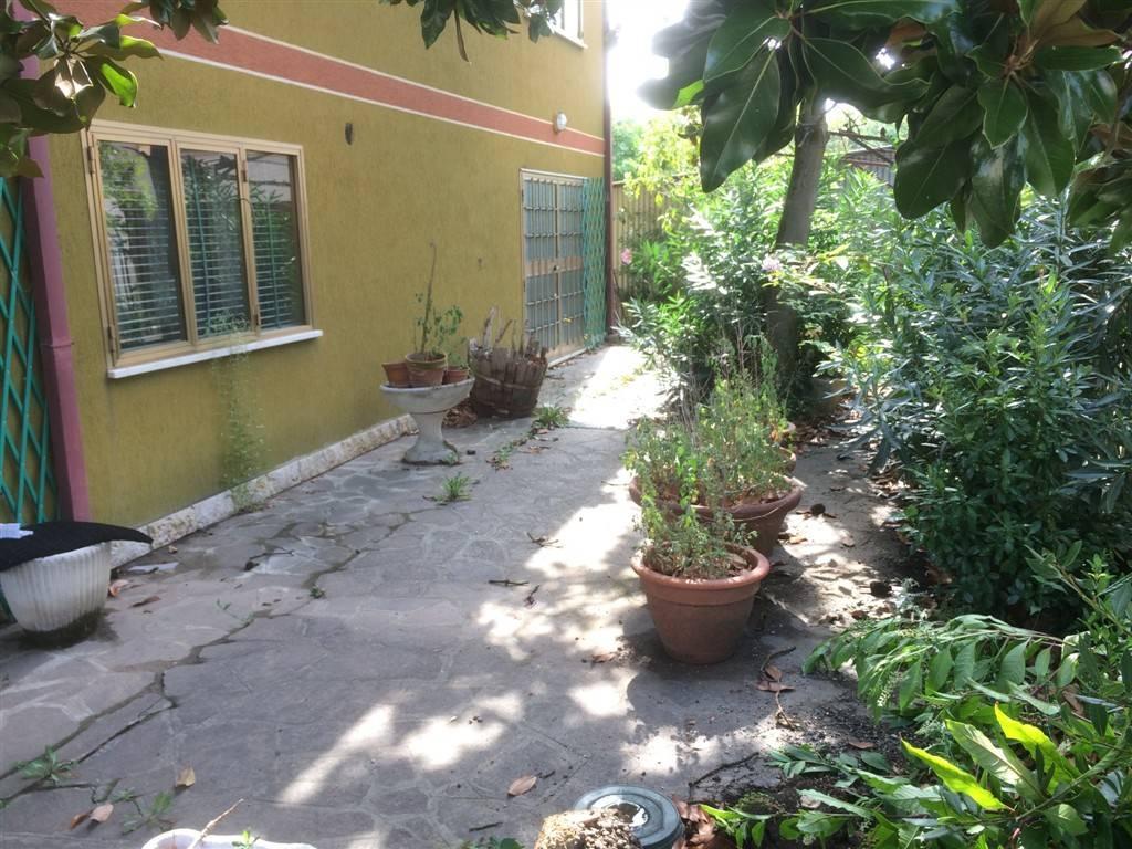 Soluzione Indipendente in vendita a Venezia, 10 locali, zona Zona: 13 . Zelarino, prezzo € 180.000 | CambioCasa.it