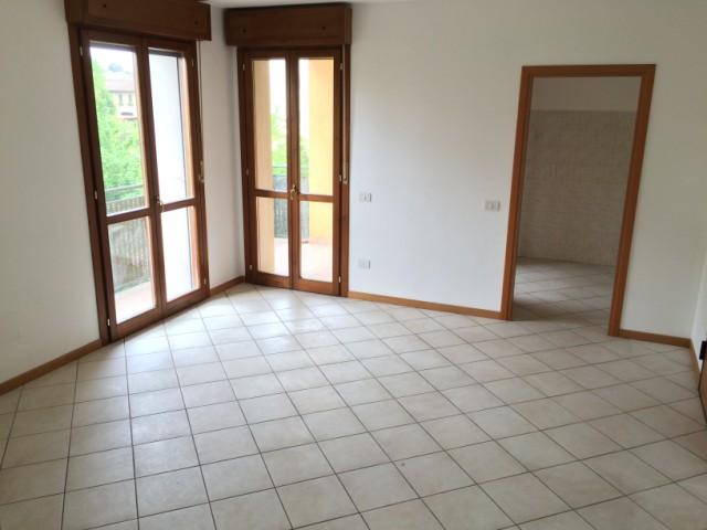 Appartamento in affitto a Spinea, 4 locali, zona Località: GRASPO DUVA, prezzo € 550 | CambioCasa.it
