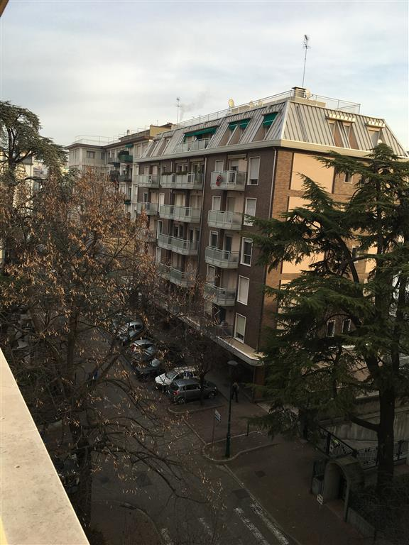 Appartamento in vendita a Venezia, 6 locali, zona Zona: 11 . Mestre, prezzo € 350.000 | CambioCasa.it