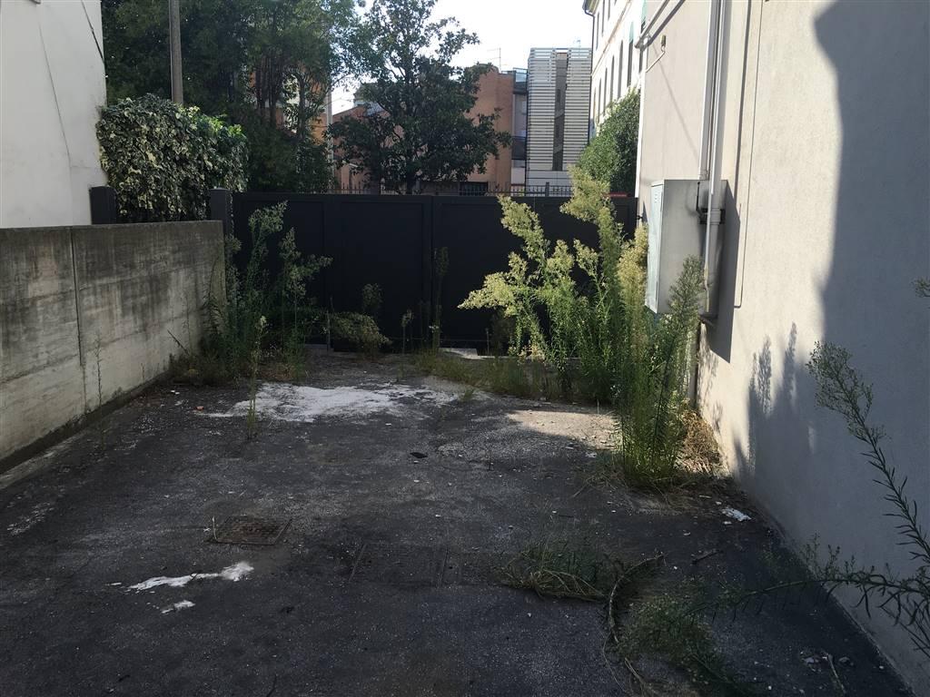 Negozio / Locale in affitto a Venezia, 1 locali, zona Zona: 11 . Mestre, prezzo € 3.500 | CambioCasa.it