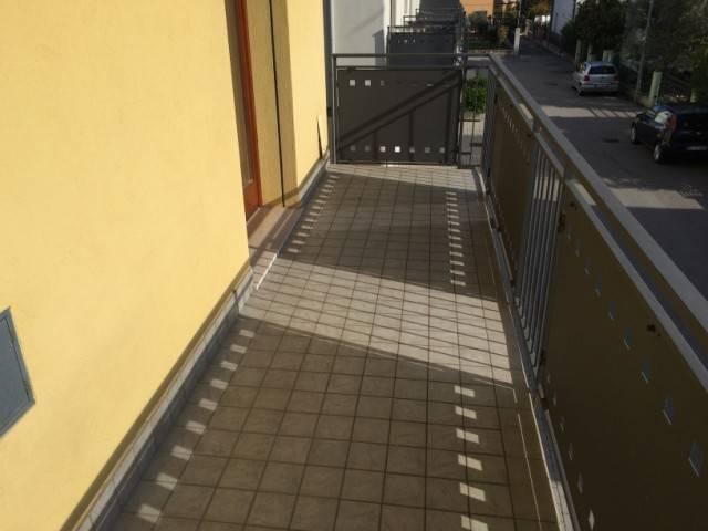 Appartamento in affitto a Spinea, 3 locali, zona Località: GRASPO DUVA, prezzo € 550 | Cambio Casa.it