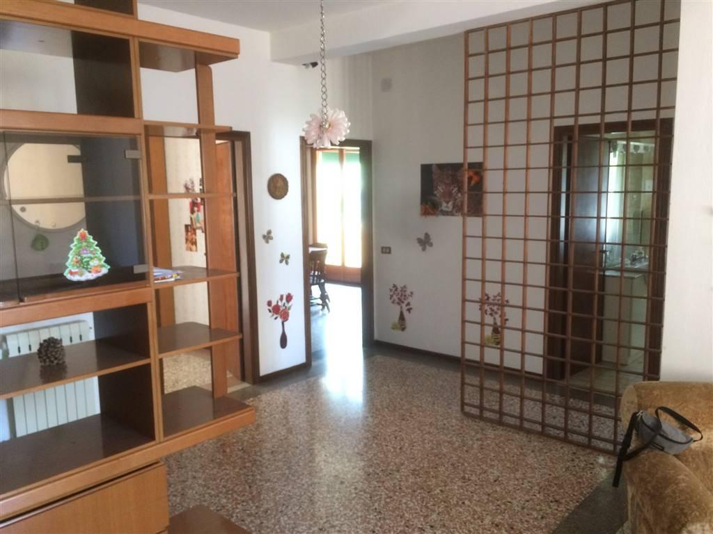 Appartamento in vendita a Venezia, 4 locali, zona Zona: 11 . Mestre, prezzo € 110.000 | Cambio Casa.it