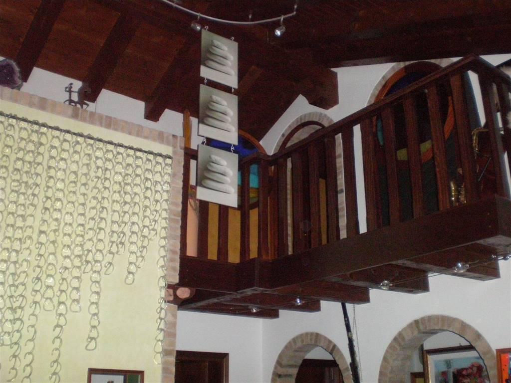 Soluzione Indipendente in affitto a Mirano, 5 locali, zona Località: LUNEO, prezzo € 1.500 | Cambio Casa.it