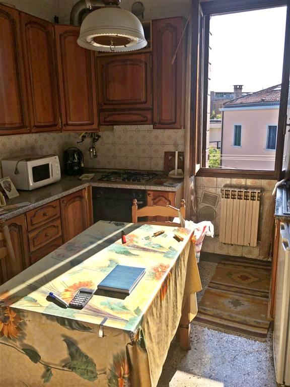 Appartamento in vendita a Venezia, 4 locali, zona Zona: 12 . Marghera, prezzo € 89.000 | CambioCasa.it