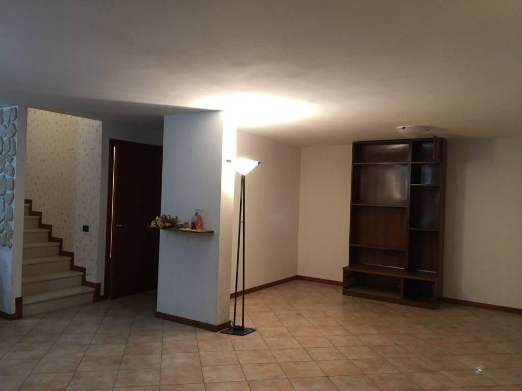 Soluzione Indipendente in vendita a Venezia, 5 locali, zona Zona: 4 . Castello, prezzo € 259.000 | CambioCasa.it