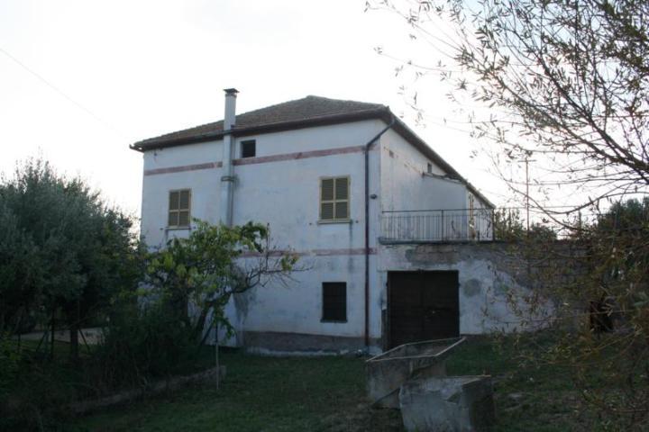 Casa singola, Tarano, da ristrutturare
