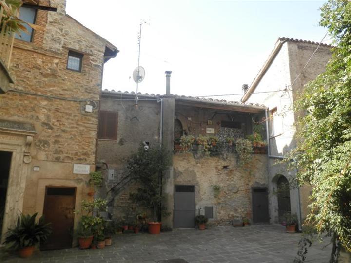 Quadrilocale, Bocchignano, Montopoli Di Sabina, da ristrutturare
