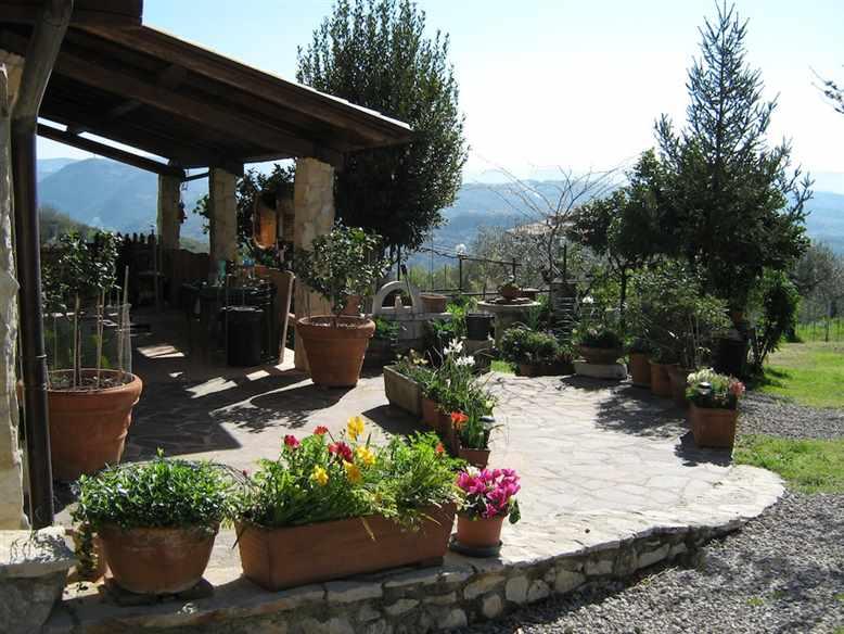Villa, Montopoli Di Sabina, seminuova