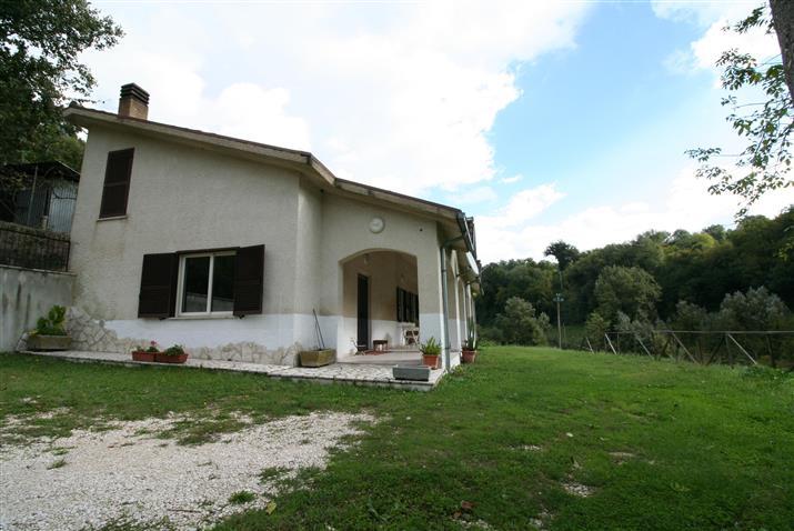Villa, Baracche Di Tarano (borgo San Giorgio), Tarano