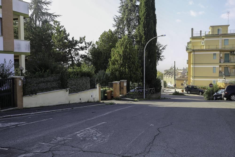 Appartamento in Via Paradiso  57, Montopoli Di Sabina