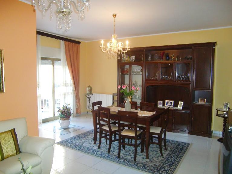 Appartamento in affitto a Sciacca, 8 locali, zona Località: ZONA CAPPUCCINI, prezzo € 500 | Cambio Casa.it