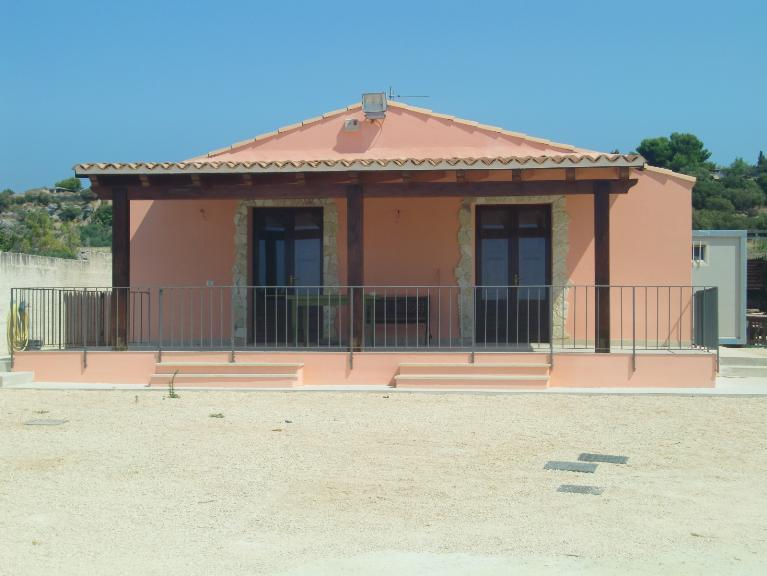 Villa in vendita a Menfi, 5 locali, Trattative riservate | CambioCasa.it