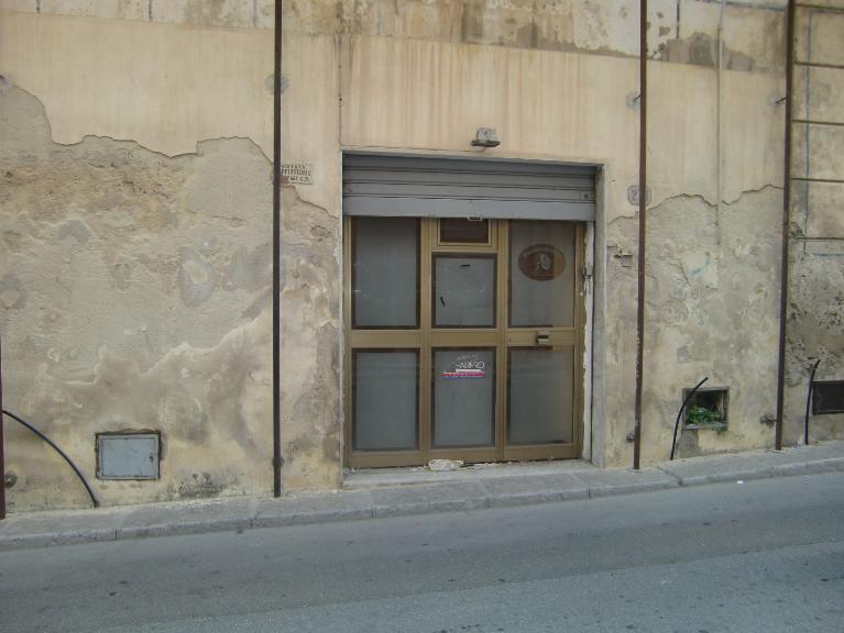 Immobile Commerciale in affitto a Sciacca, 2 locali, zona Località: CENTRO STORICO, prezzo € 500   CambioCasa.it