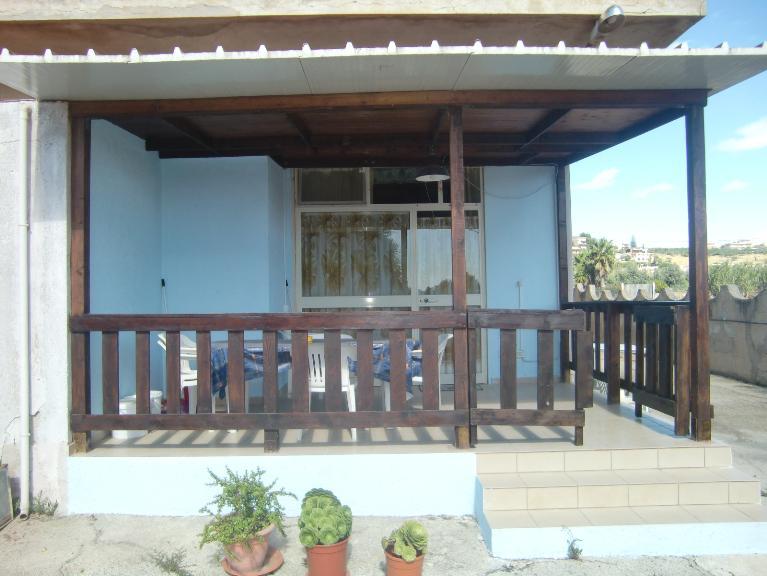 Soluzione Indipendente in affitto a Sciacca, 2 locali, zona Località: ZONA FOGGIA, prezzo € 350 | Cambio Casa.it