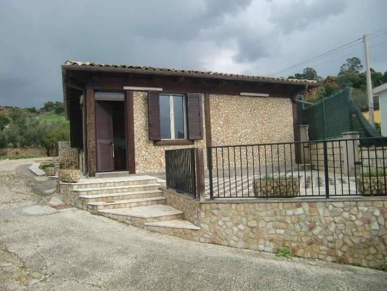 Villa sciacca vendita 80 mq cucina abitabile for Prospetti di villette