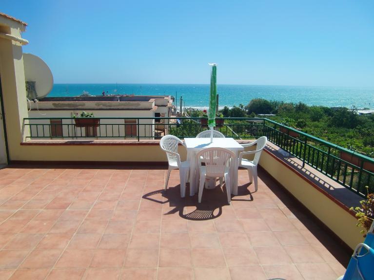 Appartamento in vendita a Menfi, 3 locali, zona Località: LIDO FIORI, prezzo € 135.000 | Cambio Casa.it