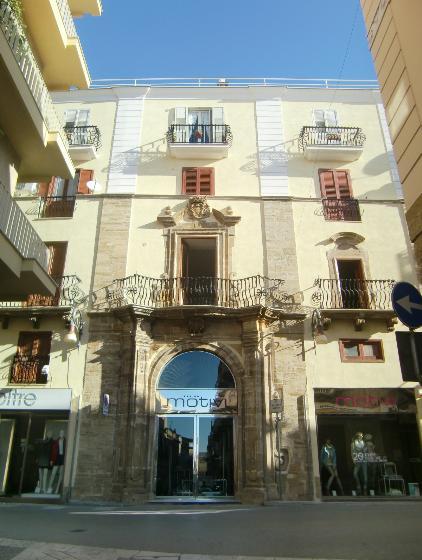 Appartamento in affitto a Sciacca, 5 locali, zona Località: CENTRO STORICO, prezzo € 430 | CambioCasa.it