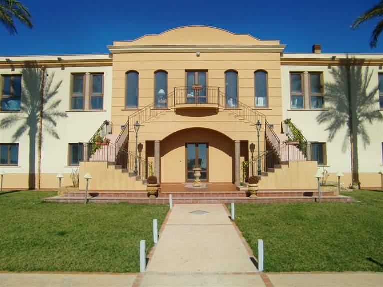 Villa in vendita a Menfi, 70 locali, zona Località: PORTO PALO, prezzo € 2.100.000 | Cambio Casa.it