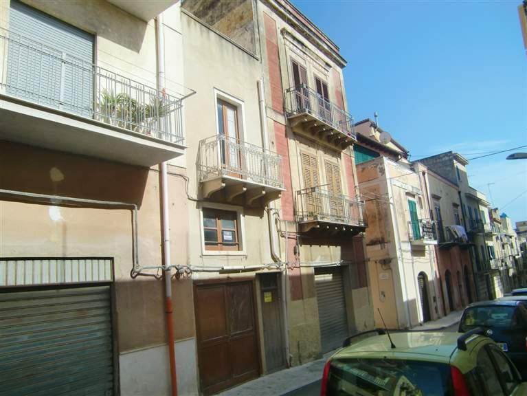 Soluzione Indipendente in vendita a Sciacca, 5 locali, zona Località: CENTRO, prezzo € 57.000   Cambio Casa.it