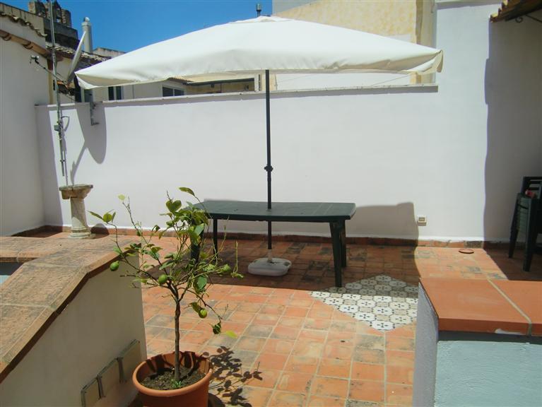 Appartamento in affitto a Sciacca, 3 locali, zona Località: CENTRO STORICO, prezzo € 500 | CambioCasa.it