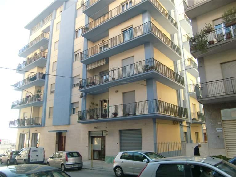 Ufficio / Studio in affitto a Sciacca, 4 locali, zona Località: CENTRO, prezzo € 500 | Cambio Casa.it