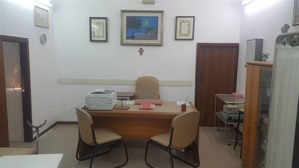 Ufficio / Studio in affitto a Sciacca, 2 locali, zona Località: CENTRO, prezzo € 600   CambioCasa.it