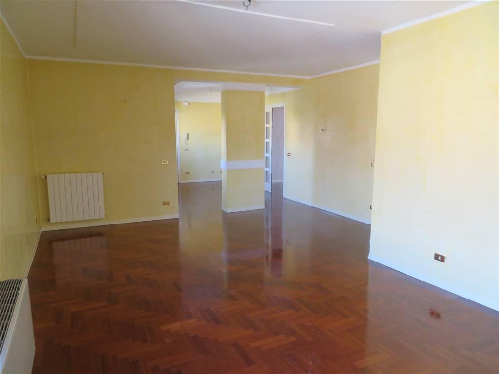 Appartamento in affitto a Sciacca, 5 locali, zona Località: ZONA CAPPUCCINI, prezzo € 470 | Cambio Casa.it
