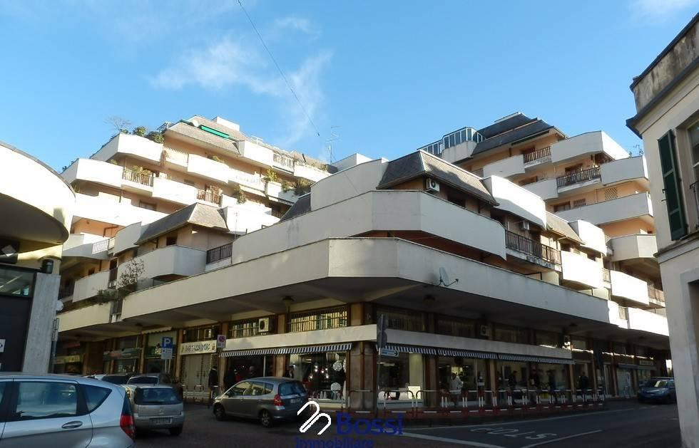 magazzino-deposito  in Vendita a Varese