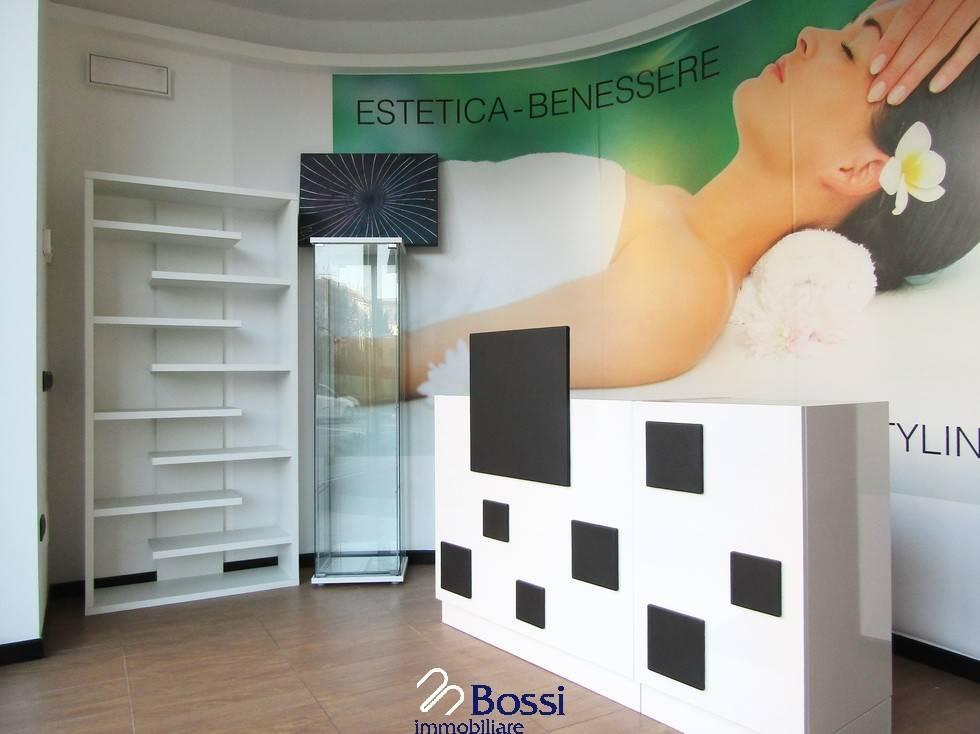 negozio  in Vendita a Varese