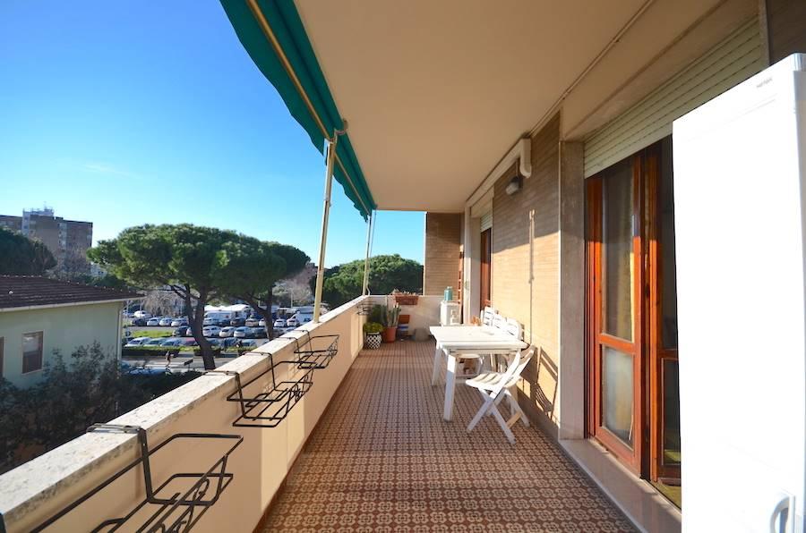 Rosignano Solvay, 132 mq, grande terrazza, tre camere